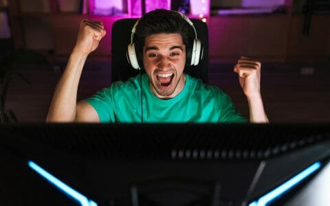 Guy who found a league of legends coaching service to help him get better at LoL